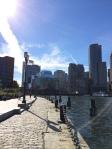 Dieser Weg heißt Harborwalk und führt um die gesamte Stadt entlang des Atlantiks in Boston