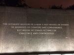 Auszüge aus seinen Reden sind rund um den Stein in eine Mauer eingelassen.